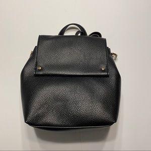 NWT Crossbody Backpack Convertible Bag Black Gold